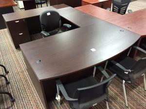 Pielle Exec Desk